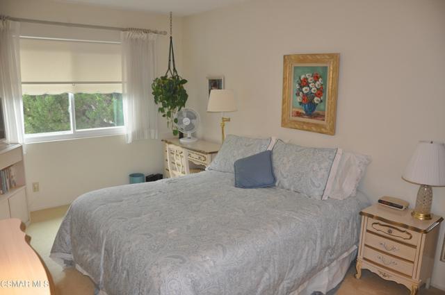 2024 Rosebay Street, Westlake Village CA: http://media.crmls.org/mediaz/4000A45B-F264-48CE-B0E6-6755050C54E9.jpg