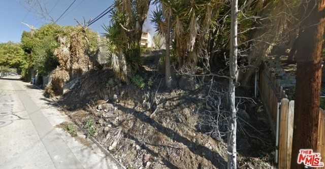 Single Family for Sale at 360 Crane Boulevard N Los Angeles, California 90065 United States