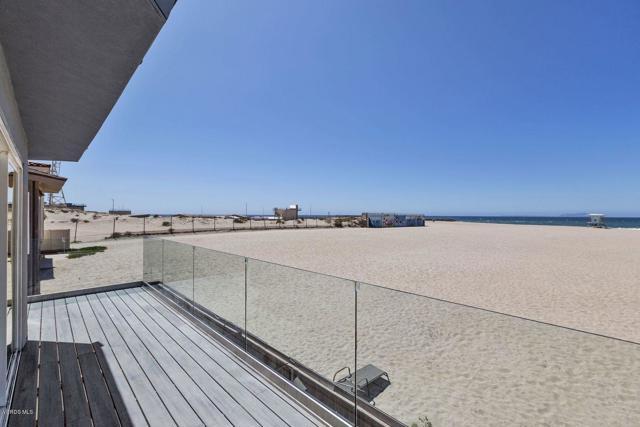113 Ocean Drive, Oxnard CA: http://media.crmls.org/mediaz/403B3C35-CA05-4BA9-B6B4-182E6A9CD532.jpg