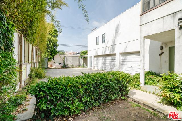 3875 Marcasel Ave, Los Angeles, CA 90066 photo 20