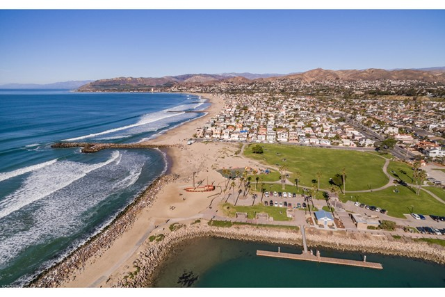 2847 E Harbor Boulevard, Ventura CA: http://media.crmls.org/mediaz/40C822E4-A1A3-4C46-97C0-86F053292FBE.jpg