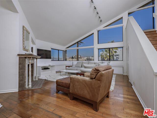 Condominium for Rent at 18 Union Jack Street Marina Del Rey, California 90292 United States