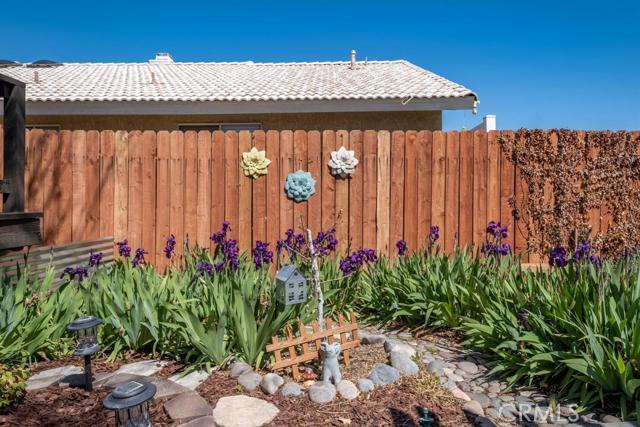 12659 Whispering Springs Road, Victorville CA: http://media.crmls.org/mediaz/40ED5376-2A1D-4469-B07E-BAC6E1BA47BC.jpg