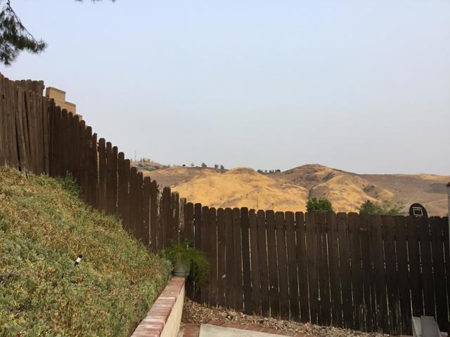 14661 Daisy Meadow Street, Canyon Country CA: http://media.crmls.org/mediaz/40FAA892-7679-48E8-91AC-7C2496F0084C.jpg