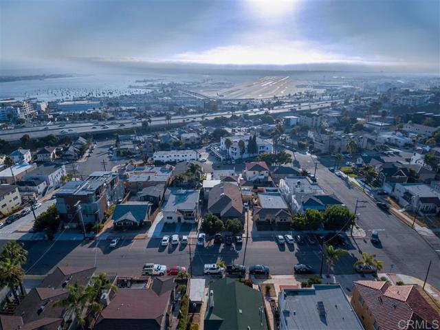 2339 Brant St, San Diego CA: http://media.crmls.org/mediaz/414E7A67-4BBD-4EBE-9BE0-7D14B402C404.jpg