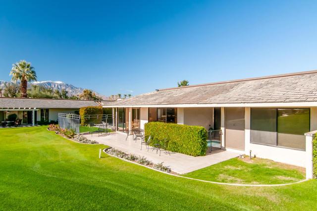 25 Columbia Drive, Rancho Mirage CA: http://media.crmls.org/mediaz/416B18A1-844C-4293-8777-D6512EFF25AB.jpg