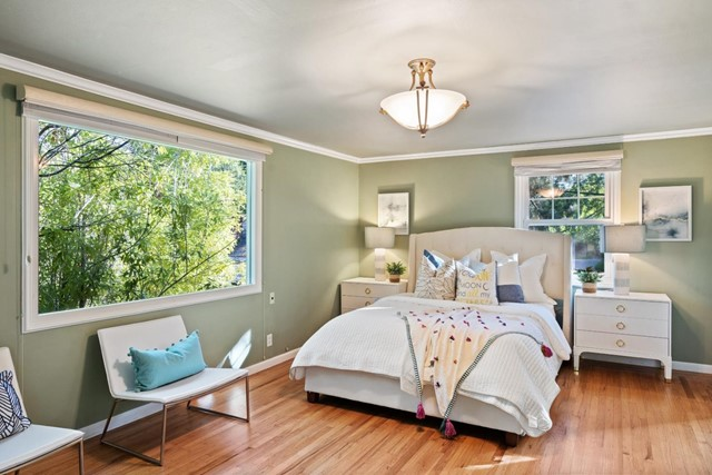 4221 Wilkie Way, Palo Alto CA: http://media.crmls.org/mediaz/41CBF7C5-1BCE-477C-82BD-C6192EE685CA.jpg