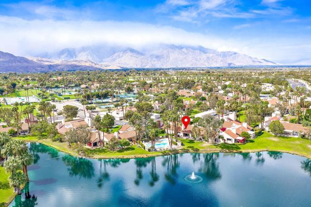 369 Wimbledon Drive, Rancho Mirage CA: http://media.crmls.org/mediaz/41FC76C6-2C5D-4613-B2ED-12FB59D3567B.jpg