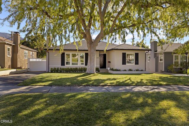 1738 N Roosevelt Avenue, Altadena CA: http://media.crmls.org/mediaz/422868CF-D7B2-4ECA-82E2-9E0F920B9982.jpg
