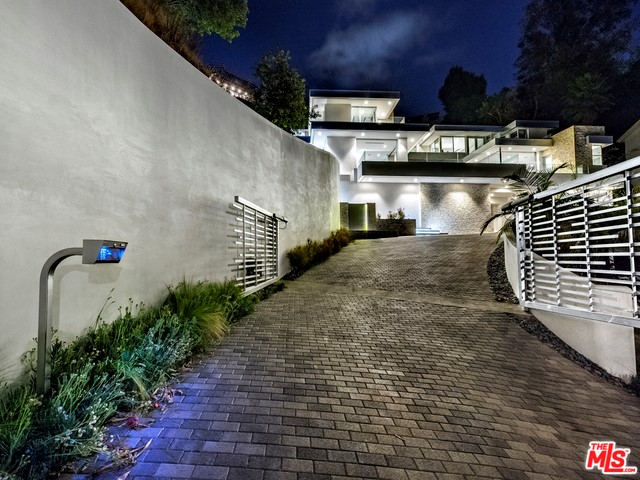 9311 READCREST Drive, Beverly Hills CA 90210