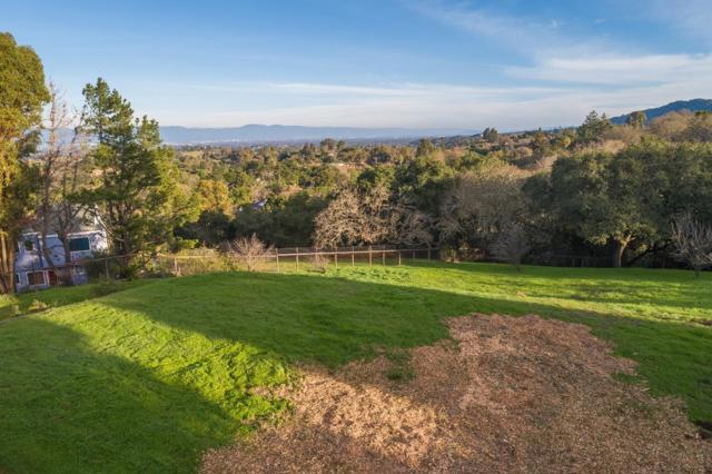 27474 Sunrise Farm Road, Los Altos Hills CA: http://media.crmls.org/mediaz/42A6D477-56BF-4157-9A32-810017E86F29.jpg