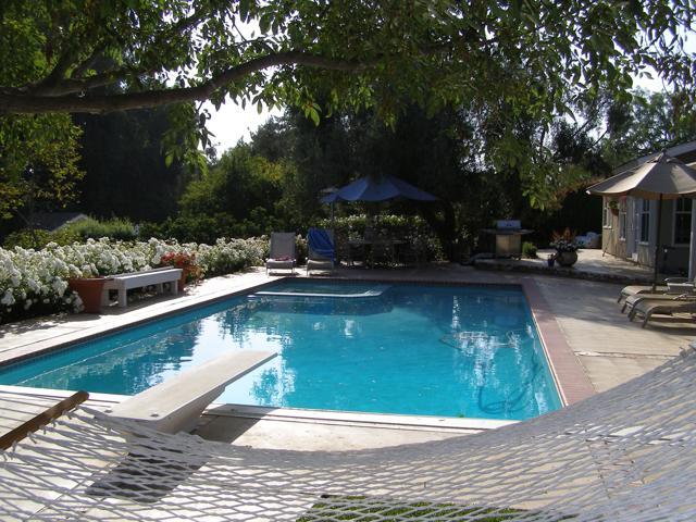144 La Patera Drive, Camarillo CA: http://media.crmls.org/mediaz/4323C340-4098-489B-B5FF-98DC645A3CA3.jpg