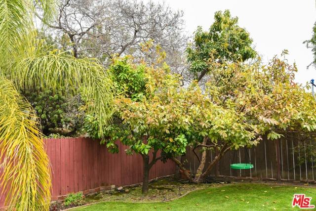 4136 Huntley Ave, Culver City, CA 90230 photo 2