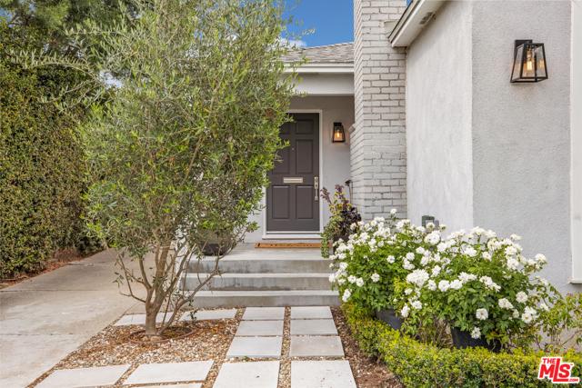 12531 Woodbine Street, Los Angeles CA: http://media.crmls.org/mediaz/43598757-212A-4CB6-809D-469C69F3037F.jpg