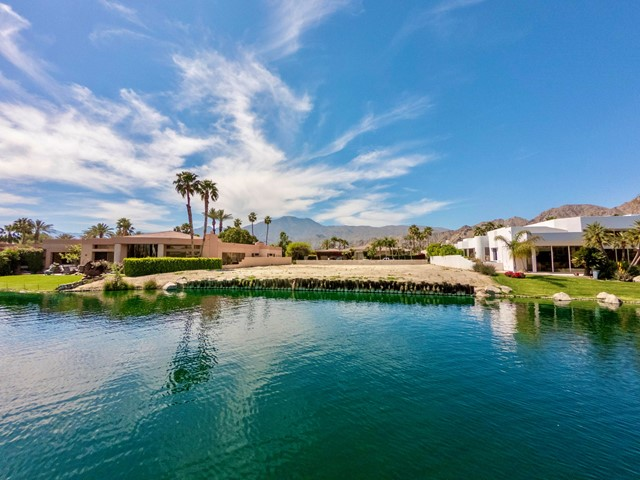 55540 Pebble Beach, La Quinta CA: http://media.crmls.org/mediaz/437DBA0A-63D0-46BD-B2C3-271C25CB3231.jpg
