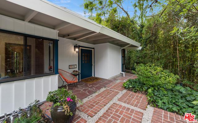 2780 Hutton Drive  Beverly Hills CA 90210