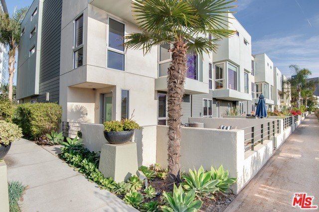 310 WASHINGTON 706 Marina del Rey CA 90292
