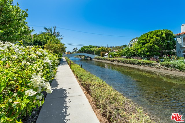 412 Howland Canal, Venice, CA 90291 photo 46