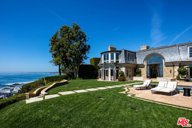 Single Family Home for Sale at 24818 Pacific Coast Highway Malibu, California 90265 United States