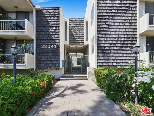 Photo of 22041 COSTANSO Street #202, Woodland Hills, CA 91364