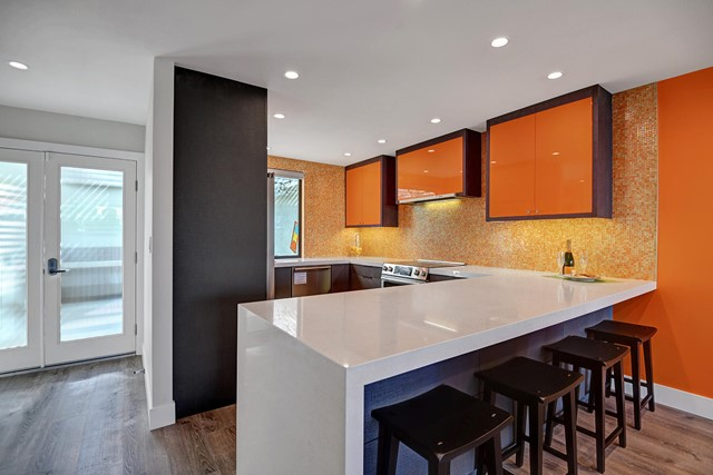 KITCHEN OVER BREAKFAST BAR RS