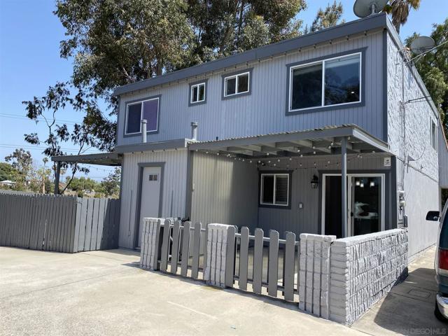 3450 52 Dwight, San Diego CA: http://media.crmls.org/mediaz/44B97AE5-E818-4C57-A774-6077A8C45B06.jpg