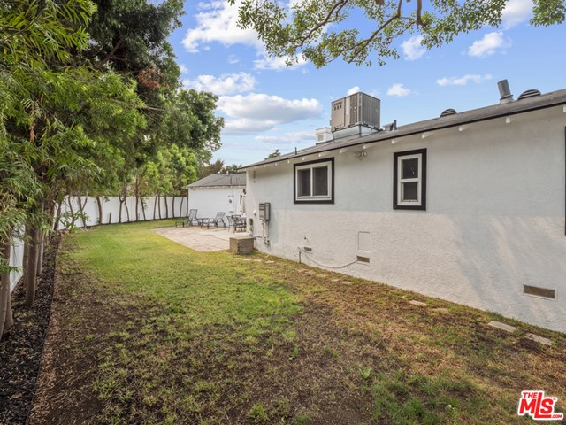 8620 Yorktown Ave, Los Angeles, CA 90045 thumbnail 25