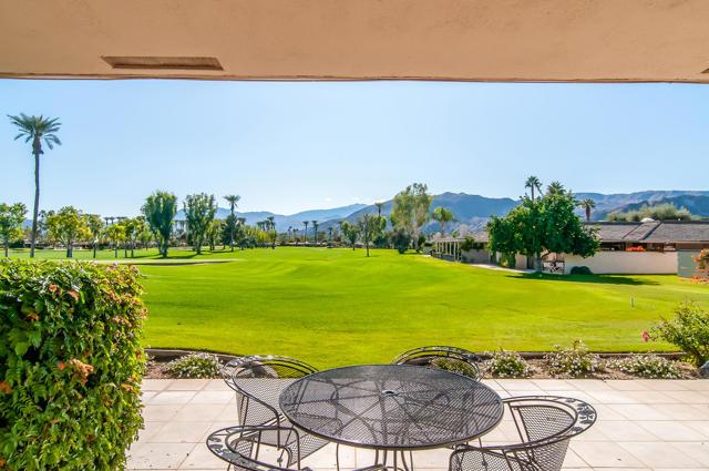 25 Columbia Drive, Rancho Mirage CA: http://media.crmls.org/mediaz/44D4851D-264B-4EDB-8E25-D5909C881153.jpg