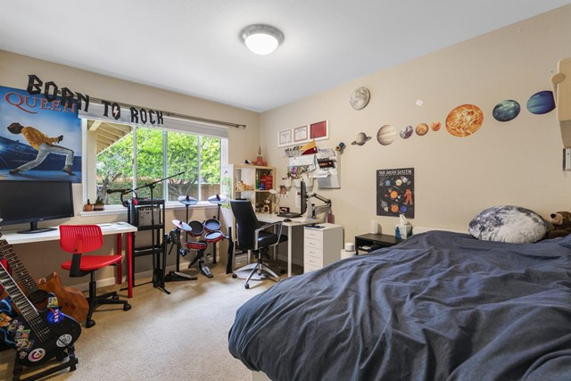 624 Keats Court, Palo Alto CA: http://media.crmls.org/mediaz/44D6776D-32C2-4B10-891C-C7A206236969.jpg