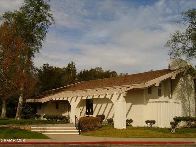 2024 Rosebay Street, Westlake Village CA: http://media.crmls.org/mediaz/44E903AB-ECF9-4250-A374-22C706D3C436.jpg