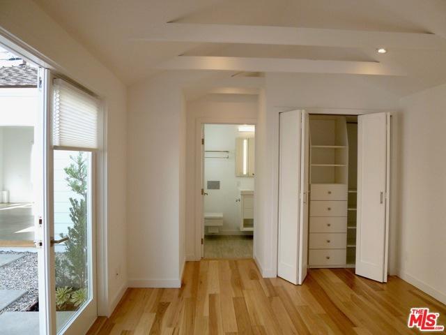 700 WOODLAWN Avenue, Venice CA: http://media.crmls.org/mediaz/454F0E55-F646-42CA-B89D-2A3271580519.jpg