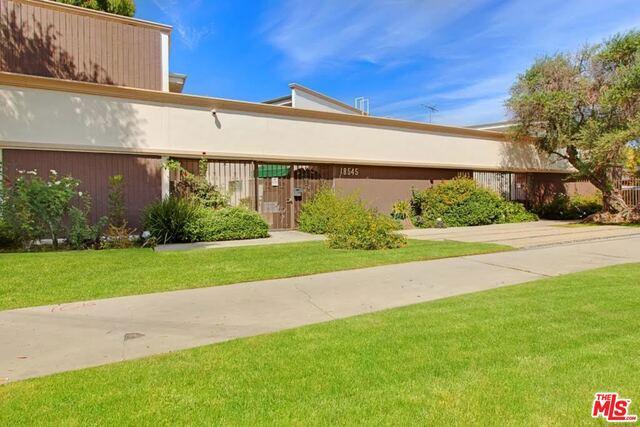 Single Family for Sale at 18543 Clark Street Tarzana, California 91356 United States