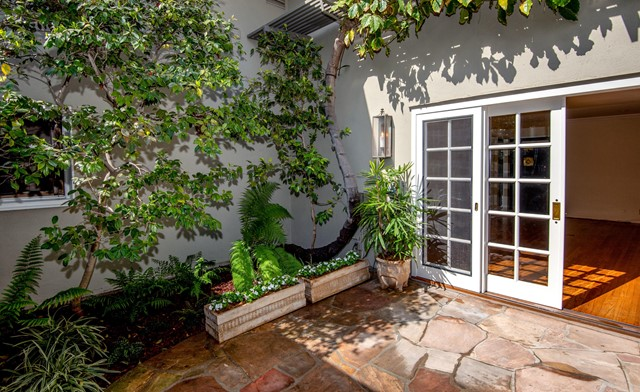 960 S Orange Grove Boulevard, Pasadena CA: http://media.crmls.org/mediaz/459939FE-BF07-42F4-B6FE-FEFAA66FD035.jpg