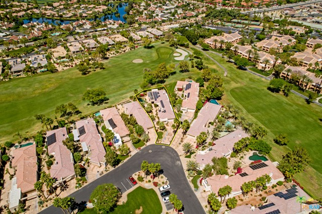 15 Birkdale Circle, Rancho Mirage CA: http://media.crmls.org/mediaz/45B34A82-F67B-4833-9983-0A6871428081.jpg