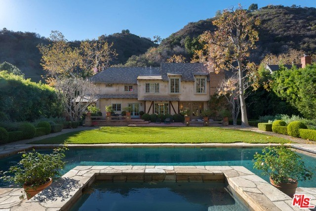 Single Family Home for Rent at 2562 Mandeville Canyon Road Los Angeles, California 90049 United States