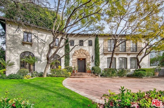 Single Family Home for Sale at 214 Rossmore Avenue N Los Angeles, California 90004 United States