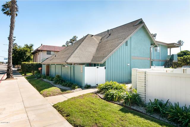 2847 E Harbor Boulevard, Ventura CA: http://media.crmls.org/mediaz/465FA990-4884-4A00-AD46-242005242985.jpg