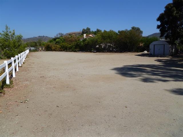 3251 Vista Cielo Ln, Spring Valley CA: http://media.crmls.org/mediaz/46632963-235A-4E94-9C47-91407A955B29.jpg