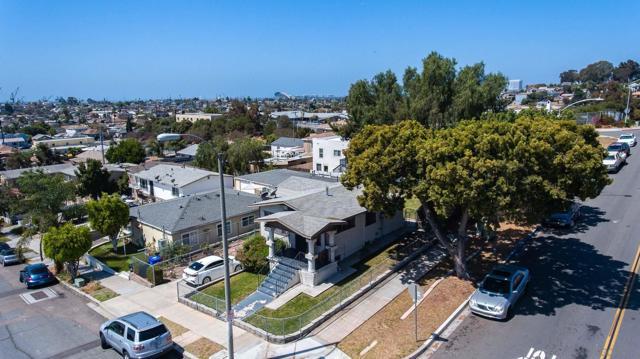 446 30th Street, San Diego CA: http://media.crmls.org/mediaz/466C0EA5-A521-4322-BACD-B398768DD127.jpg