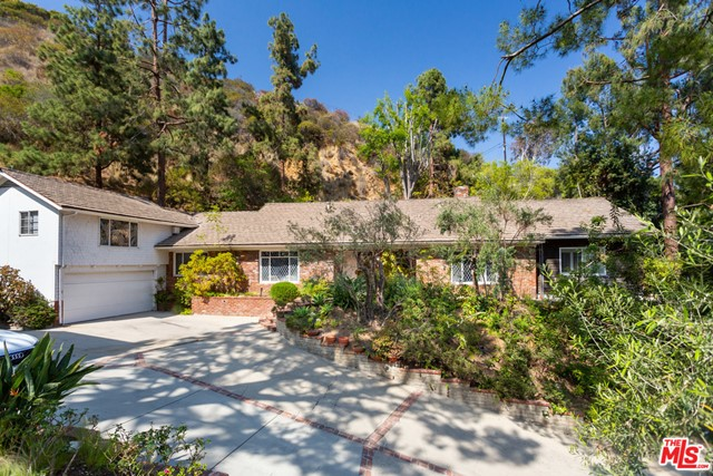 2289 Betty  Beverly Hills CA 90210
