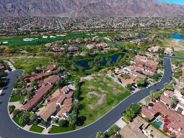 52940 Latrobe Lane, La Quinta CA: http://media.crmls.org/mediaz/46E3D28E-589B-44B8-A387-1040CF5FE2F0.jpg
