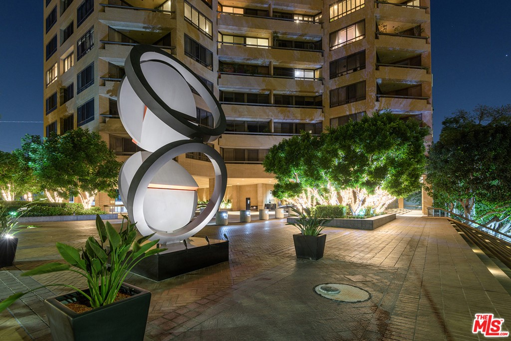10430 WILSHIRE Boulevard # 1701 Los Angeles CA 90024