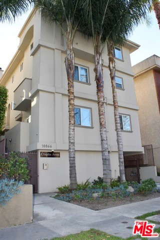 10866 BLUFFSIDE Drive 3, Studio City, CA 91604