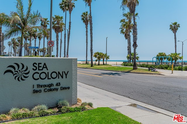 30 SEA COLONY Santa Monica CA 90405