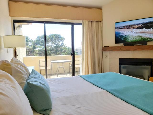 324 Seascape Resort Drive, Aptos CA: http://media.crmls.org/mediaz/47665680-5603-44B0-BB2B-B7BC98044DC6.jpg