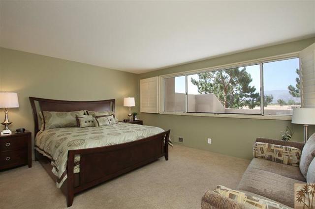 47 Pebble Beach Drive, Rancho Mirage CA: http://media.crmls.org/mediaz/479B164D-91E2-4898-9A3D-3141B0642376.jpg