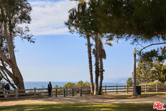124 Idaho Ave 203, Santa Monica, CA 90403 photo 24