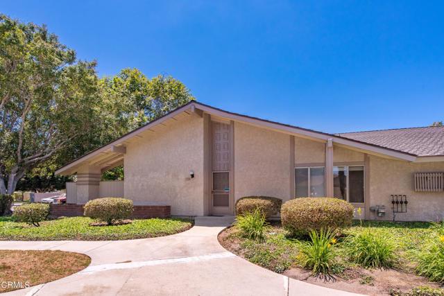 501 Holly Avenue, Oxnard CA: http://media.crmls.org/mediaz/47F3749C-8044-423B-9B91-69E6F669D89B.jpg