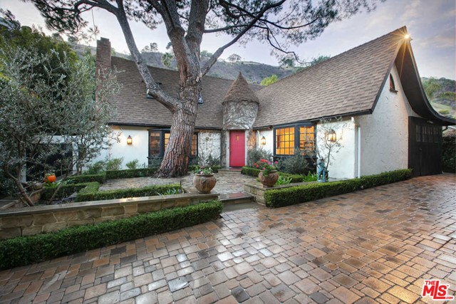 1757 FRANKLIN CANYON Drive Beverly Hills CA 90210
