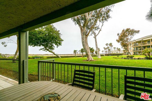 826 Bluewater Way, Port Hueneme CA: http://media.crmls.org/mediaz/480D9AEB-D7DF-435B-8467-8A806ADA5673.jpg